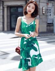 气质印花露肩吊带连衣裙女装夏季2018新款不规则荷叶边背带短裙子 S(155/80A)