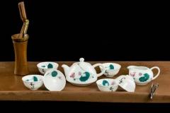 醴陵釉下五彩荷花功夫茶具一套